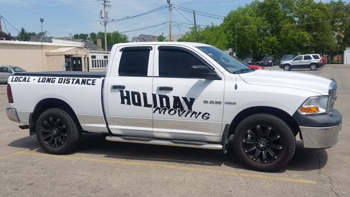 Holiday_Moving_Truck_side